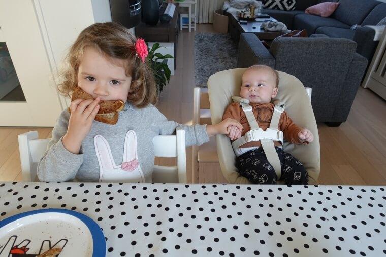 Nieuwe Stokke Stoel : Samen aan tafel met de stokke newborn set moonoloog