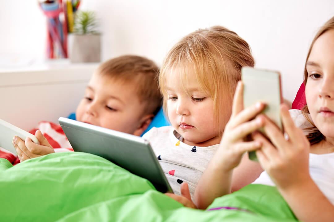 kinderen met beeldscherm