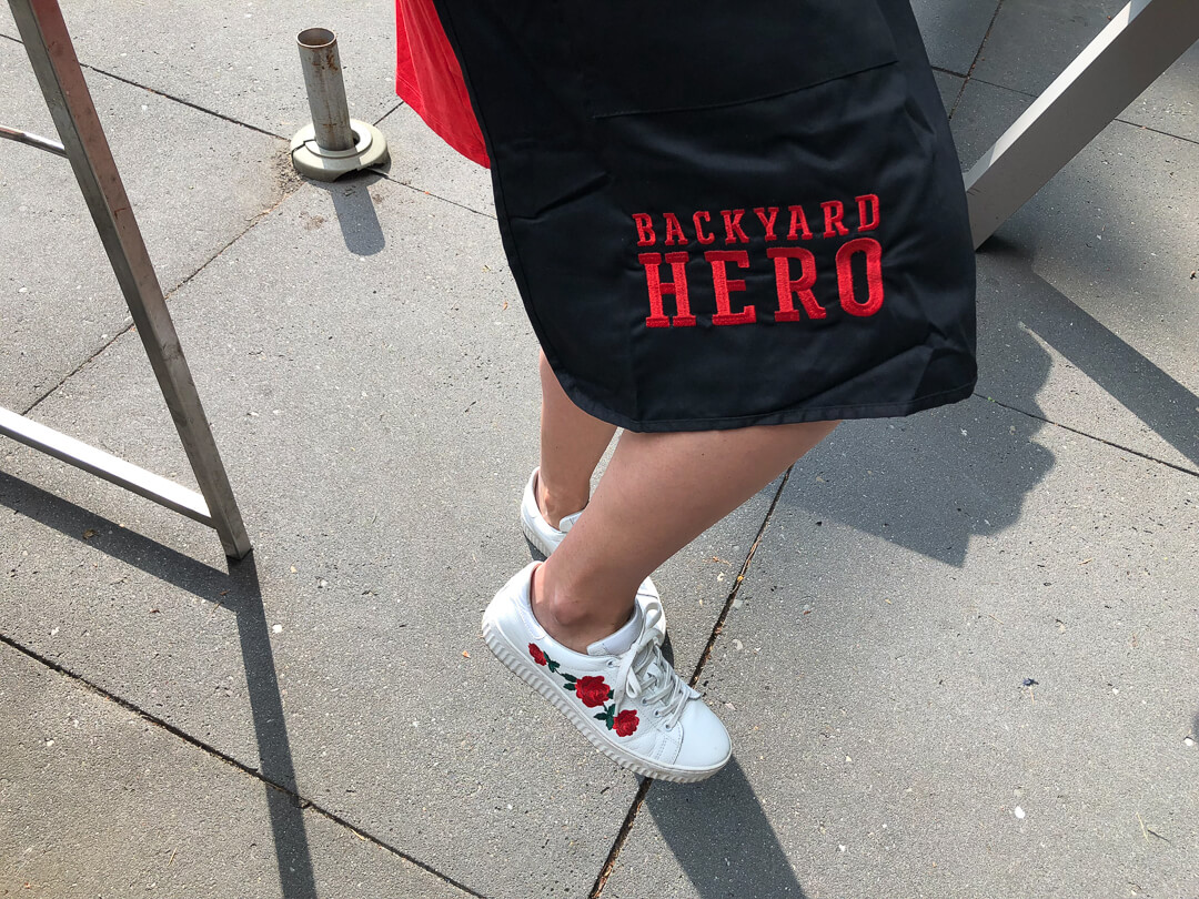 Weber Grill Academy schort Backyard Hero