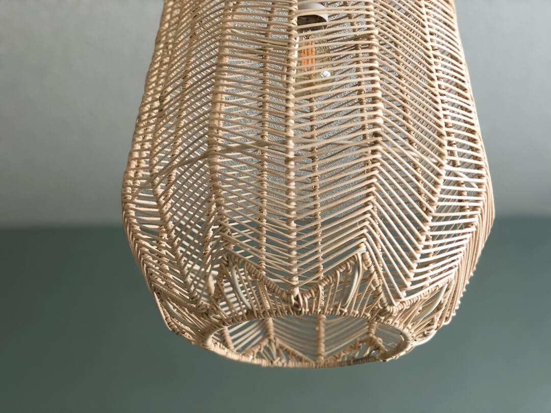 lampen zijn onmisbaar in een interieur in de eerste plaats natuurlijk omdat ze voor licht zorgen en je dat nu eenmaal nodig hebt als het buiten donker is