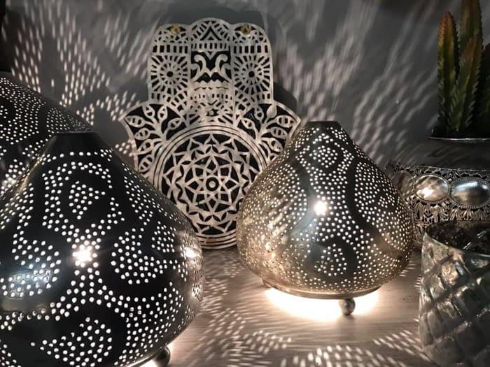oosterse woonstijl, filigrain lampen